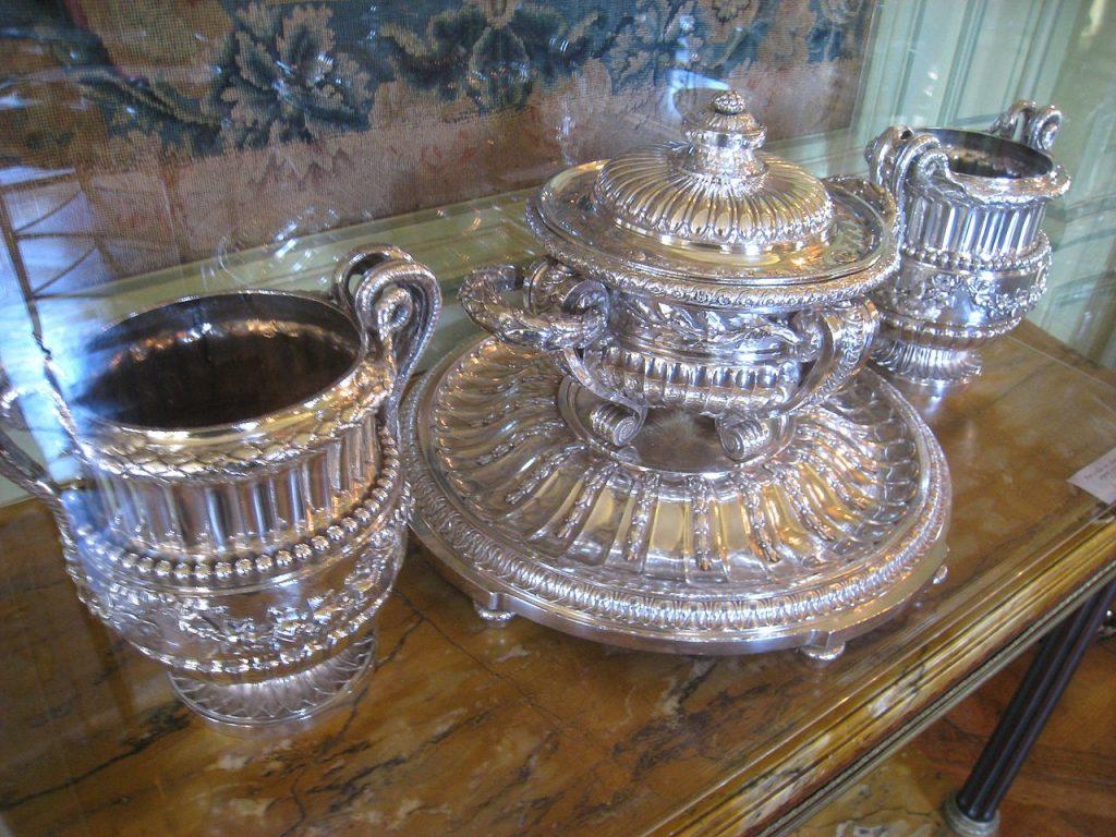 Pièces décoratives en argenterie commandées par Catherine la Grande, impératrice de Russie