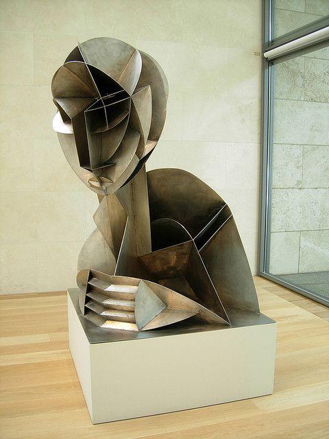 sculpture Naum Gabo